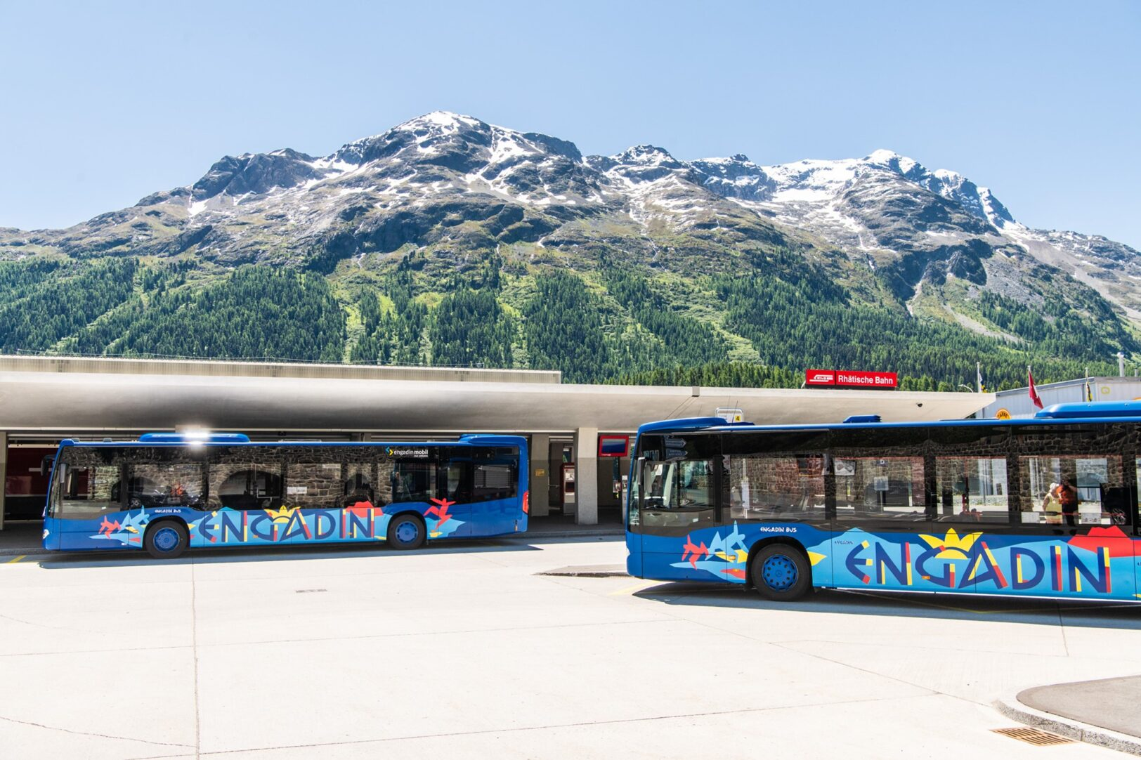 Grosser Bahnhof in St. Moritz